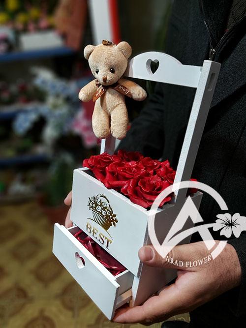 باکس گل رز سرخ کوچک